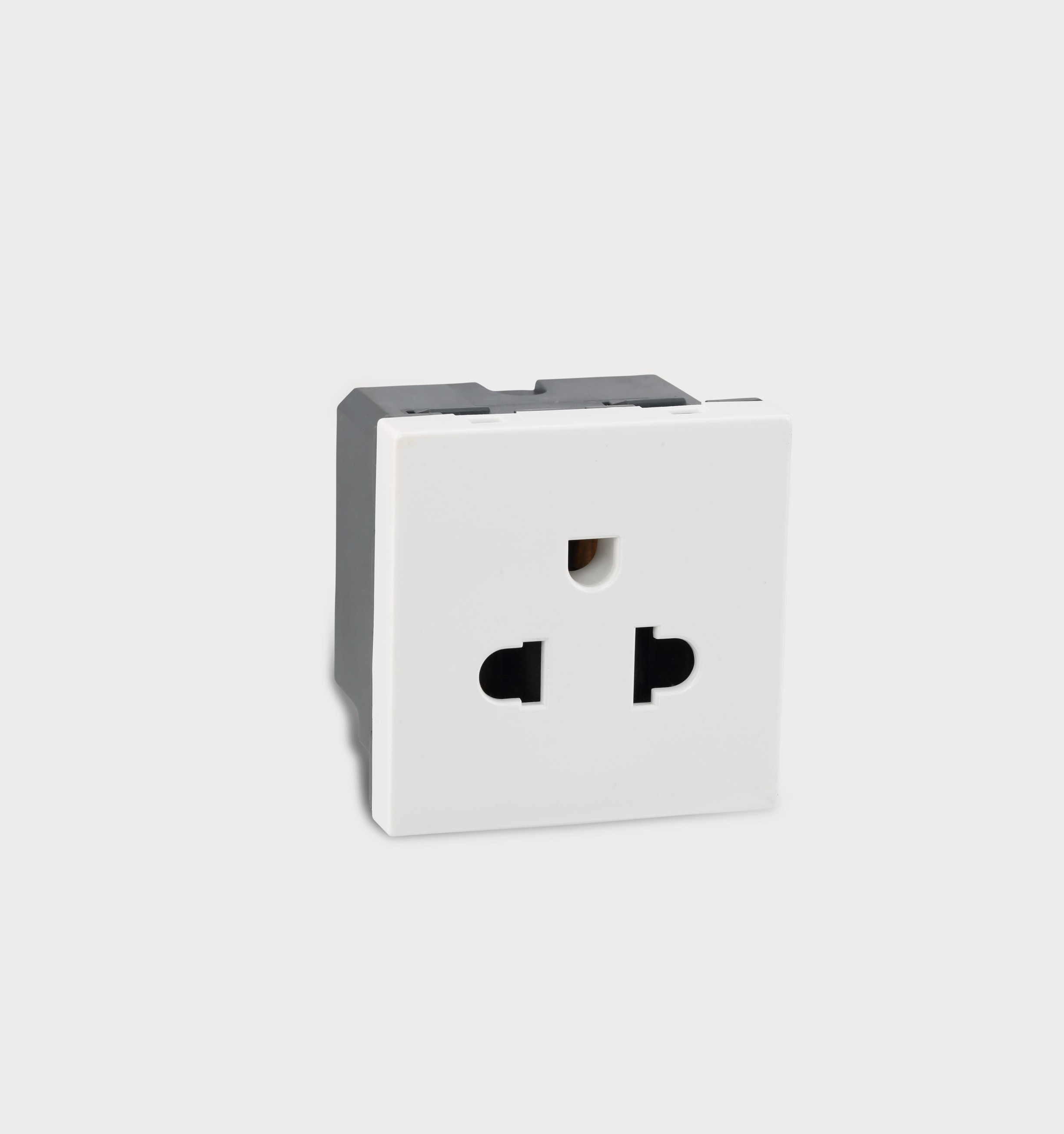 6/16A Euro Socket (White) 673046 - Electrical and Networking ...